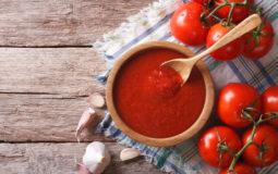 Aprenda a fazer molho de tomate caseiro