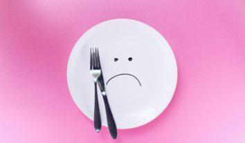 Fuja do low carb: dieta pode causar danos à saúde