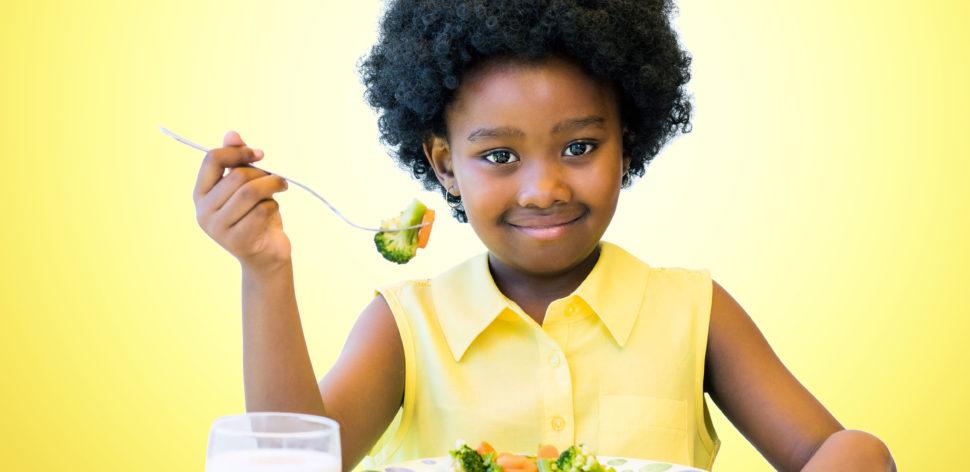 10 passos para alimentação e hábitos saudáveis até os dois anos