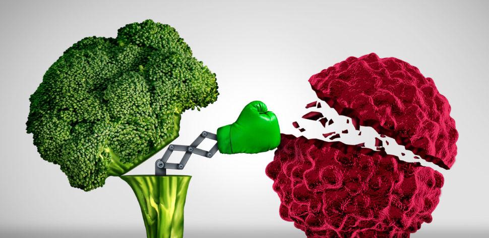 4 boatos sobre alimentos que curam ou causam câncer