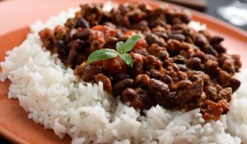 Arroz com feijão: um aliado na alimentação de idosos