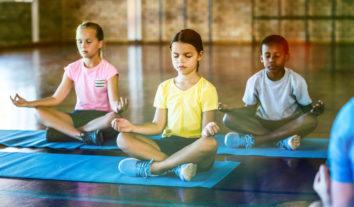 Conheça os benefícios da meditação para crianças