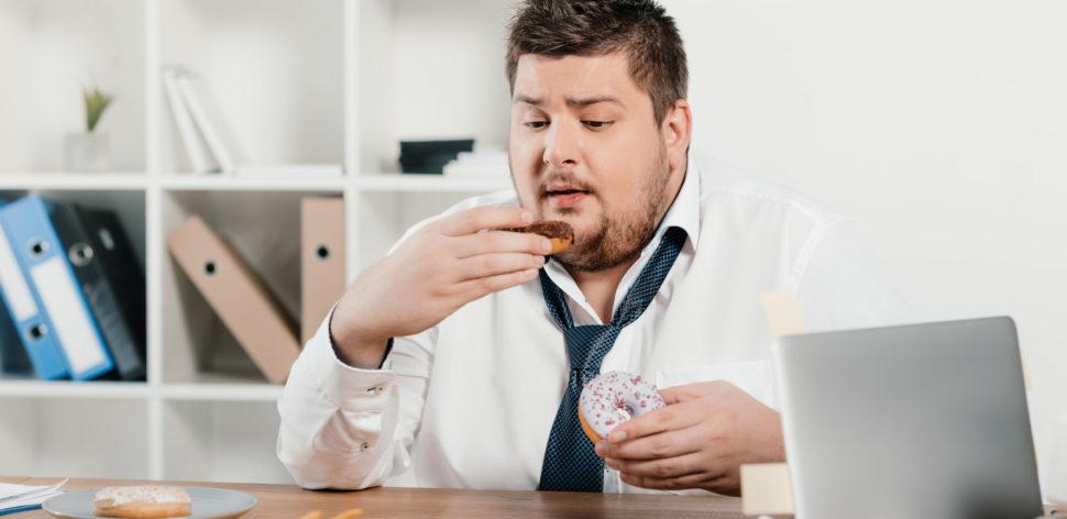 O que é a compulsão alimentar e como tratá-la?