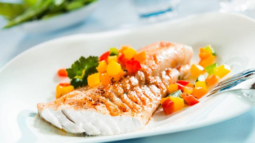 Veja como fazer bacalhau de forma saudável e saborosa