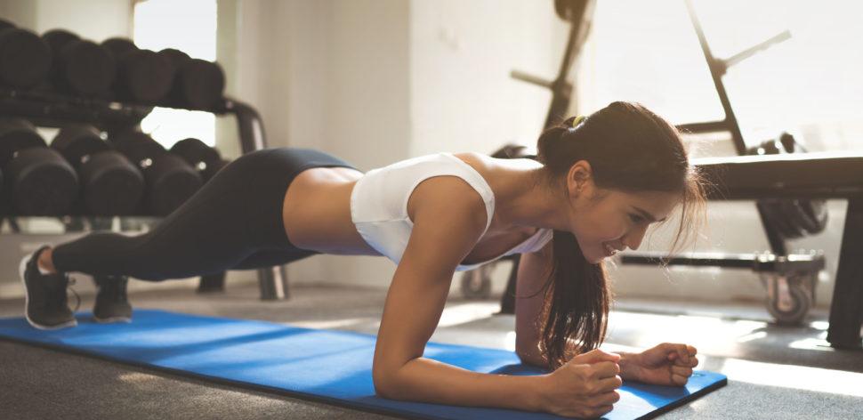 4 exercícios com colchonete para você fazer agora