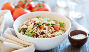 Receitas de saladas de quinoa: opções saudáveis para agradar seu paladar