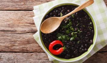 Conheça os nutrientes das principais marcas de feijão preto