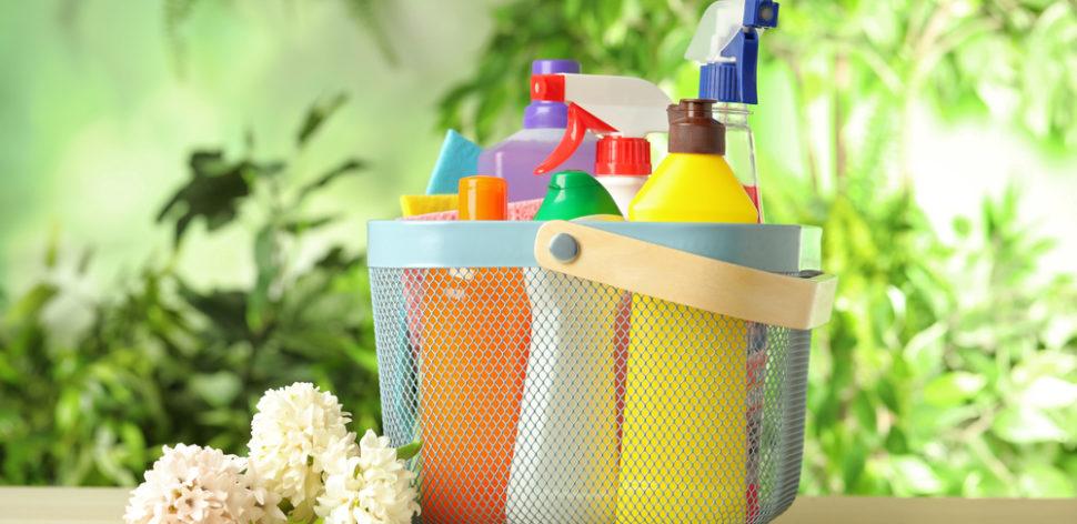 É possível reduzir o impacto ambiental dos produtos de limpeza?