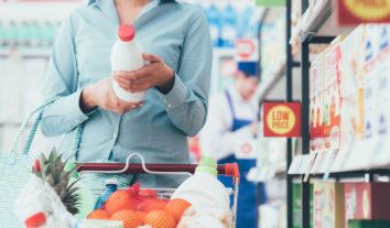 Entenda a importância de conferir os rótulos de produtos lácteos