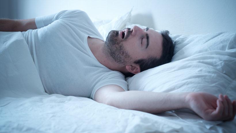 Já ouviu falar em apneia do sono? Saiba como tratar e prevenir o problema