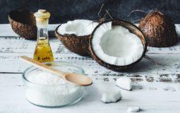 Óleo de coco: o que é, benefícios e mitos