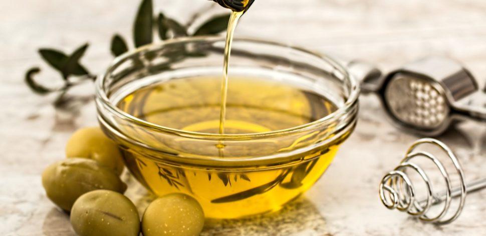 Azeite de oliva: como escolher para garantir a qualidade no seu prato